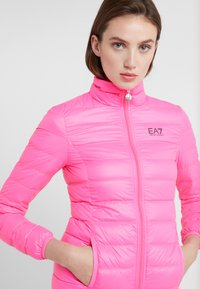 EA7 Emporio Armani - TRAIN CORE LADY - Untuvatakki - neon pink / black - 4