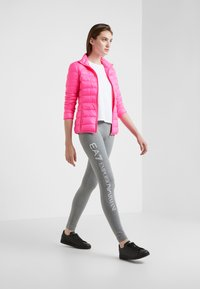 EA7 Emporio Armani - TRAIN CORE LADY - Untuvatakki - neon pink / black - 1