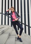 EA7 Emporio Armani - TRAIN CORE LADY - Doudoune - black / neon pink
