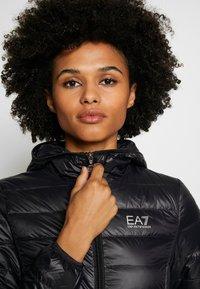 EA7 Emporio Armani - Gewatteerde jas - black - 3