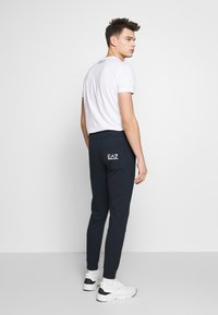 EA7 Emporio Armani - PANTALONI - Trainingsbroek - night blue - 2