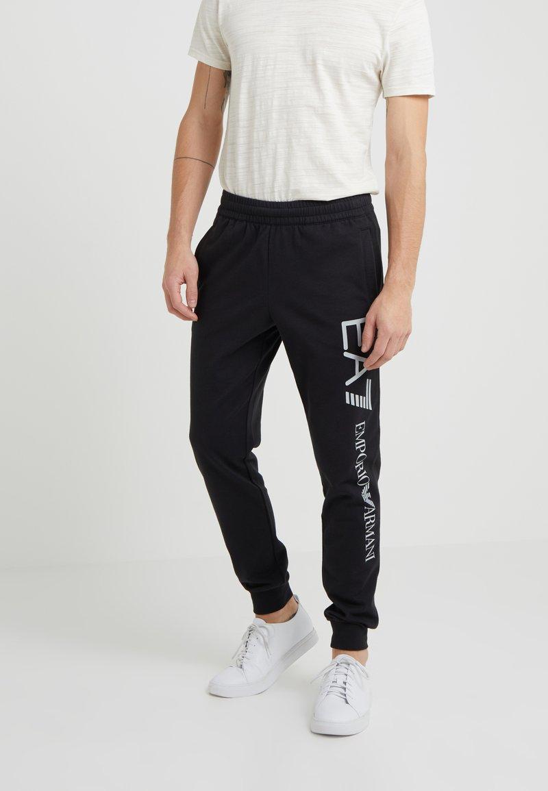 EA7 Emporio Armani - PANTALONI - Teplákové kalhoty - black
