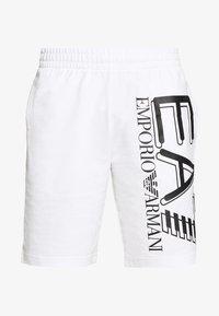 EA7 Emporio Armani - BERMUDA - Teplákové kalhoty - white - 4