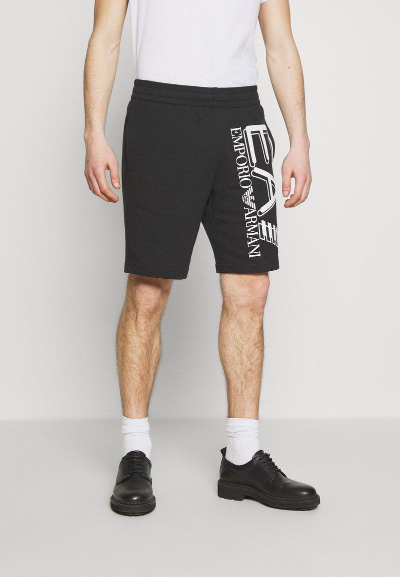 EA7 Emporio Armani - BERMUDA - Pantalon de survêtement - black