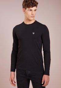 EA7 Emporio Armani - Camiseta de manga larga - black - 0