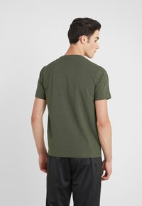 EA7 Emporio Armani - SIDE TAPE - T-Shirt print - khaki - 2