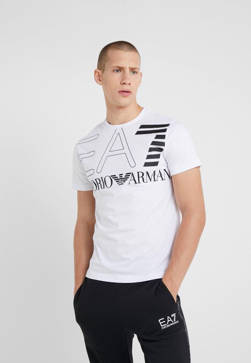 EA7 Emporio Armani - Camiseta estampada - white