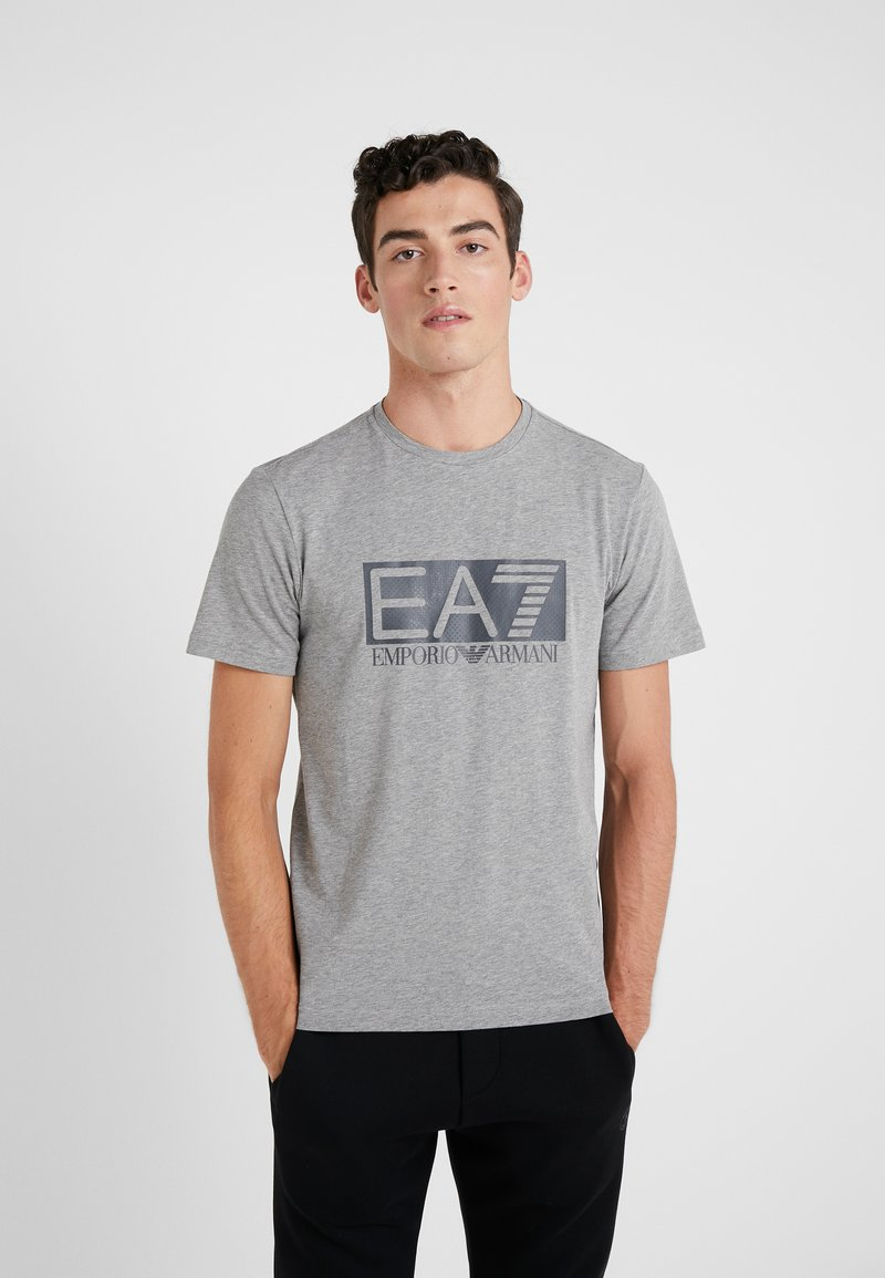 EA7 Emporio Armani - T-shirt med print - medium grey