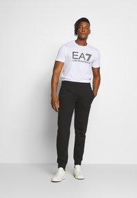 EA7 Emporio Armani - T-shirt print - white - 1