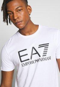 EA7 Emporio Armani - T-shirt print - white - 3