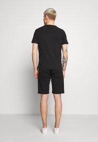 EA7 Emporio Armani - T-shirt imprimé - black - 2