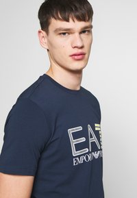 EA7 Emporio Armani - T-shirt print - navy blue - 3