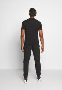 EA7 Emporio Armani - T-shirt print - black - 2
