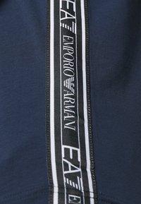 EA7 Emporio Armani - Camiseta estampada - navy blue - 5