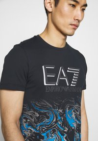 EA7 Emporio Armani - T-shirt print - fancy blue - 4