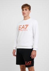 EA7 Emporio Armani - Sweatshirt - white/neon/orange - 0