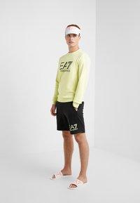 EA7 Emporio Armani - Sweatshirt - neon / yellow / black - 1
