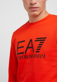 EA7 Emporio Armani - Sweatshirt - neon / orange / black - 3