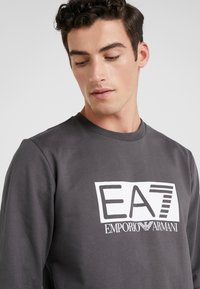 EA7 Emporio Armani - Sweatshirt - asphalt - 4