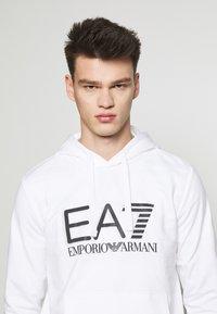 EA7 Emporio Armani - Bluza z kapturem - white - 3