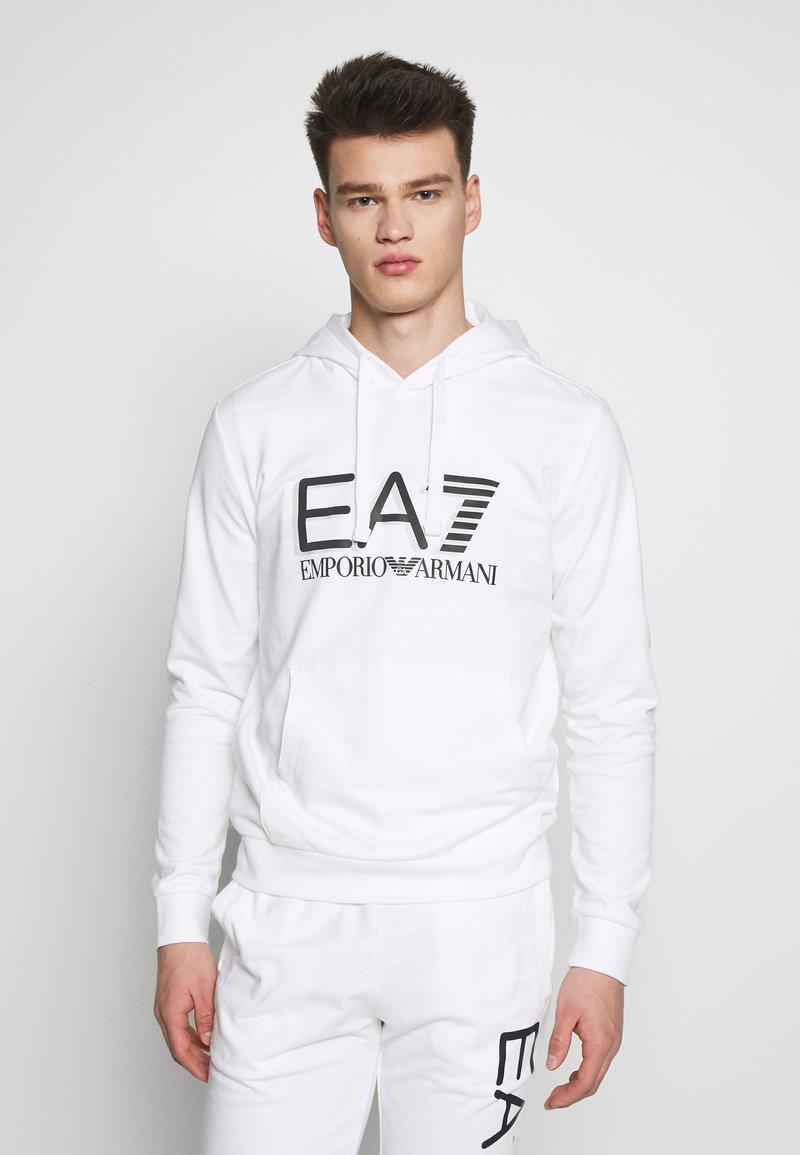 EA7 Emporio Armani - Bluza z kapturem - white