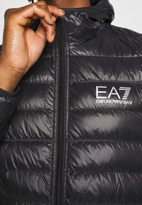 EA7 Emporio Armani - GIACCA PIUMINO - Gewatteerde jas - black - 5