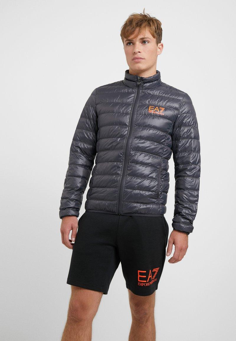 EA7 Emporio Armani - Gewatteerde jas - black / neon / orange