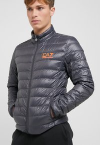 EA7 Emporio Armani - Gewatteerde jas - black / neon / orange - 4