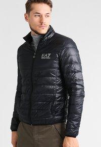 EA7 Emporio Armani - Gewatteerde jas - black - 0