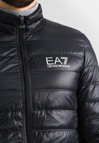 EA7 Emporio Armani - Bunda zprachového peří - black - 3