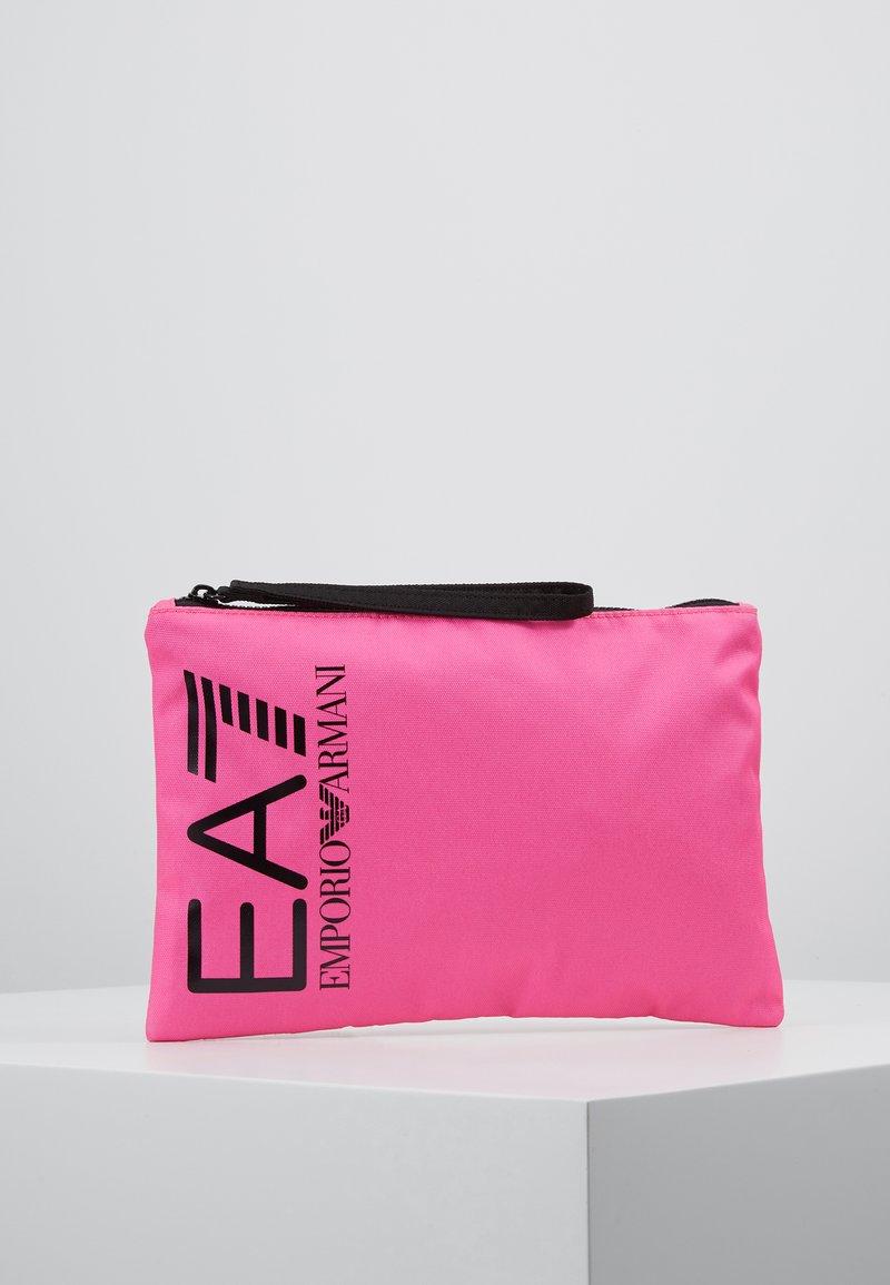 EA7 Emporio Armani - CLUTCH BAG NEON - Kuvertväska - neon pink / black