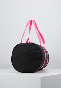 EA7 Emporio Armani - GYM BAG NEON - Sporttas - black / neon pink - 3