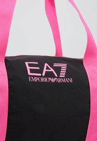 EA7 Emporio Armani - GYM BAG NEON - Sporttas - black / neon pink - 6