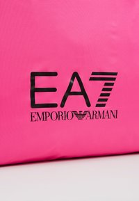 EA7 Emporio Armani - SHOPPER NEON - Torba na zakupy - neon pink / black - 6