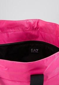 EA7 Emporio Armani - SHOPPER NEON - Torba na zakupy - neon pink / black - 4