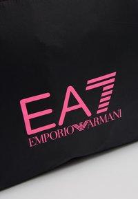 EA7 Emporio Armani - SHOPPER NEON - Tote bag - black / neon pink - 6