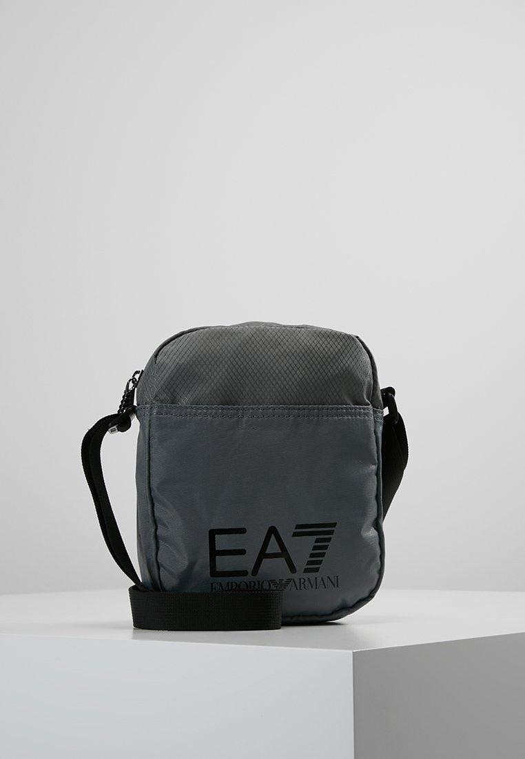 EA7 Emporio Armani - TRAIN PRIME POUCHBAG SMALL  - Axelremsväska - agento silver