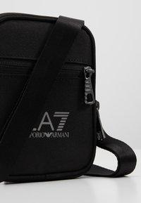 EA7 Emporio Armani - Borsa a tracolla - nero - 6