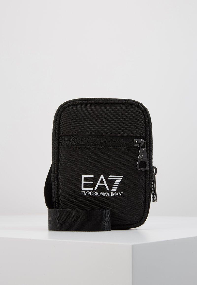 EA7 Emporio Armani - Umhängetasche - black