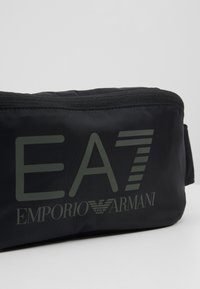 EA7 Emporio Armani - Ledvinka - black/stone/grey - 3