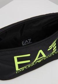 EA7 Emporio Armani - Sac banane - black / neon / yellow - 4