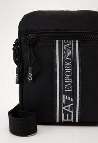 EA7 Emporio Armani - Taška spříčným popruhem - black - 4