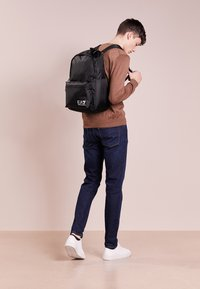 EA7 Emporio Armani - TRAIN PRIME BACKPACK  - Reppu - nero - 1