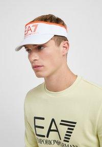 EA7 Emporio Armani - Cappellino - white/neon/orange - 1