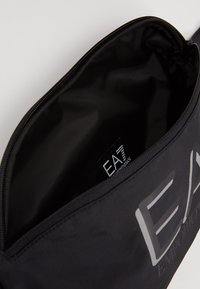 EA7 Emporio Armani - Bältesväska - black - 4