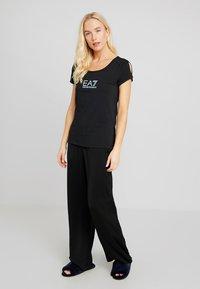 EA7 Emporio Armani - Pyjama top - black - 1