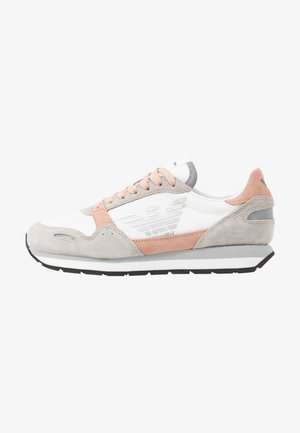 ALLY - Sneakers laag - plaster/white/nuage