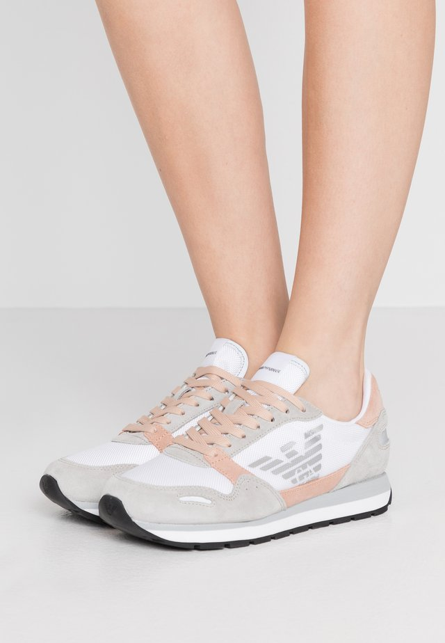 ALLY - Sneakers basse - plaster/white/nuage