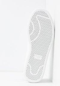 Emporio Armani - Trainers - white/black - 6
