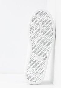 Emporio Armani - Sneakers basse - white/black - 6
